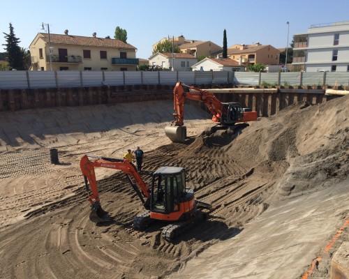 Pose de palplanches pour Immeuble de logement à Port Fréjus (83)